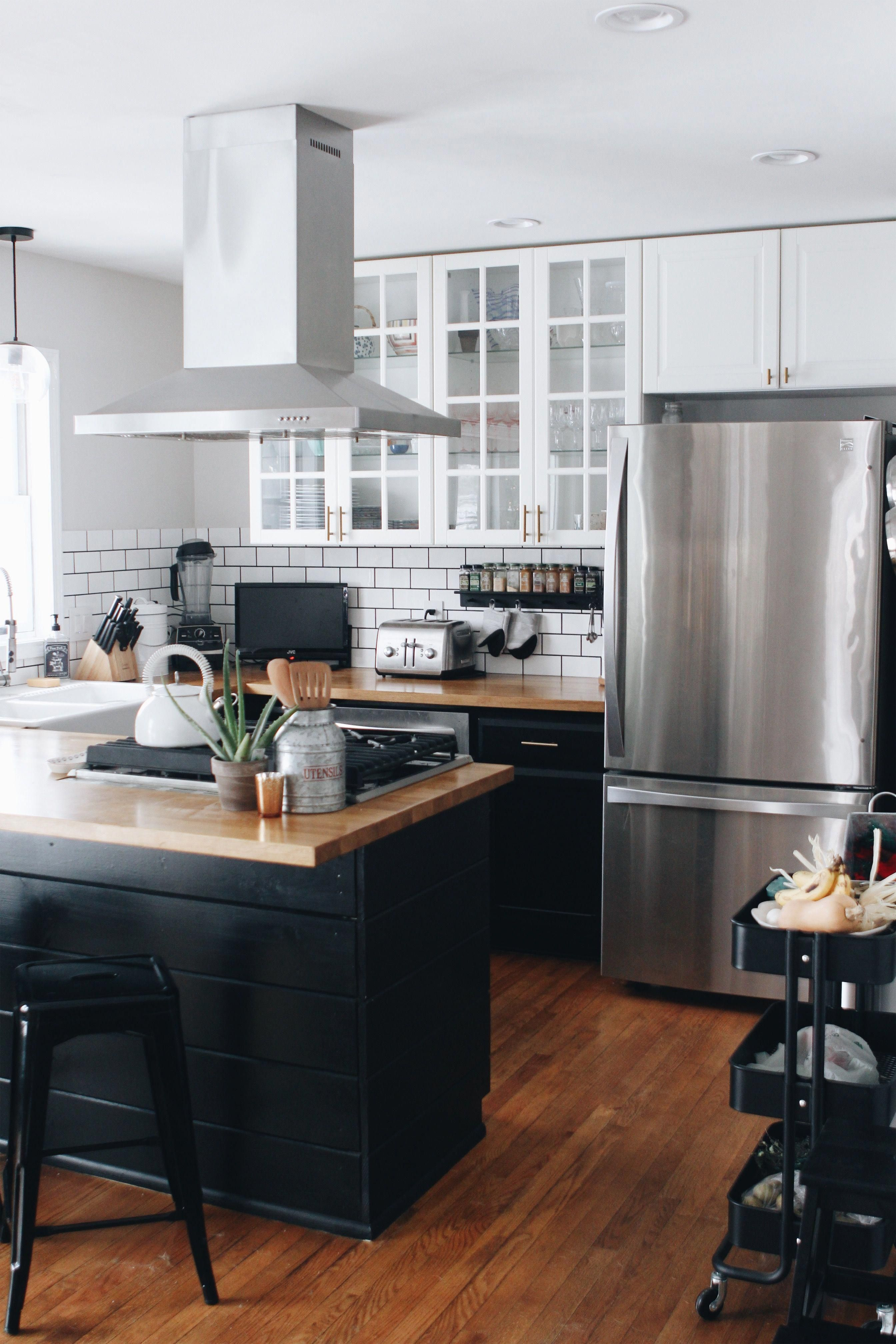 Pin By Amy Ellenger On Homes In 2020 Kitchen Renovation Cost