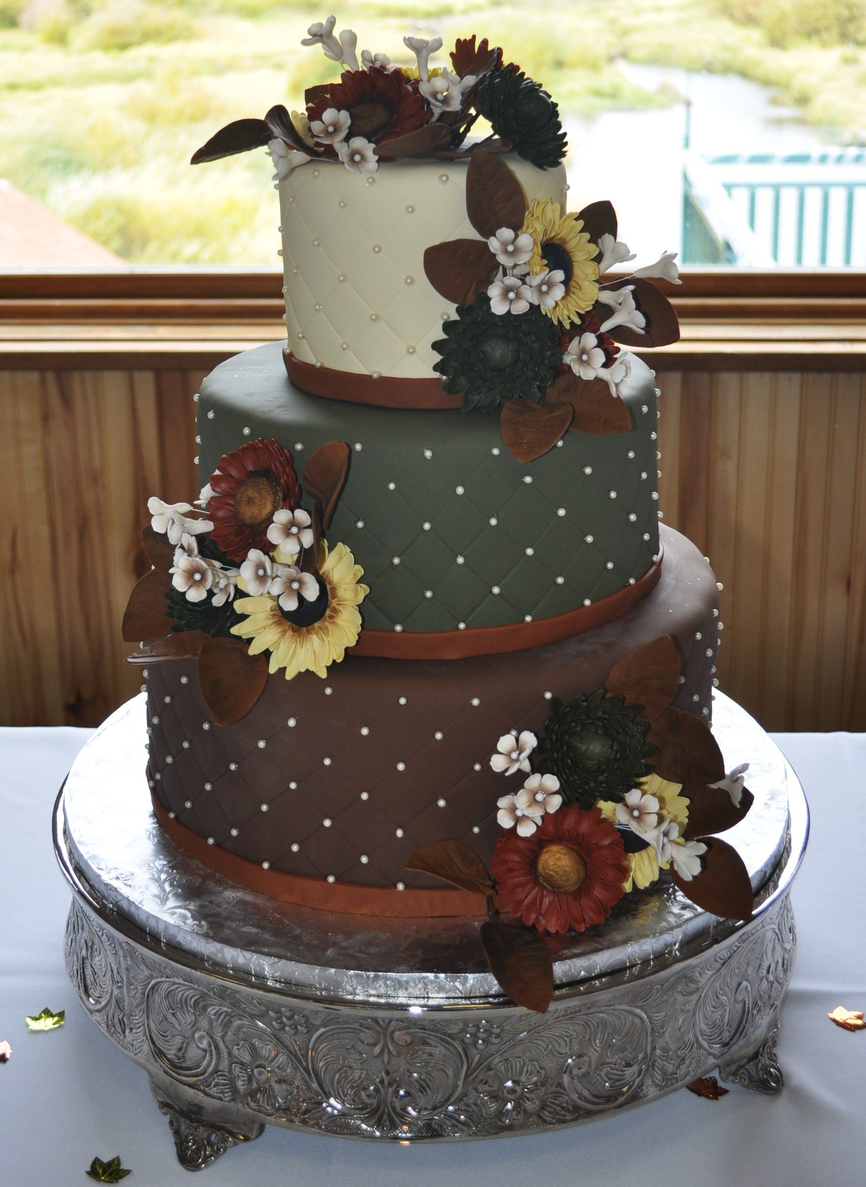 Autumn Wedding Cake With Sugar Flowers