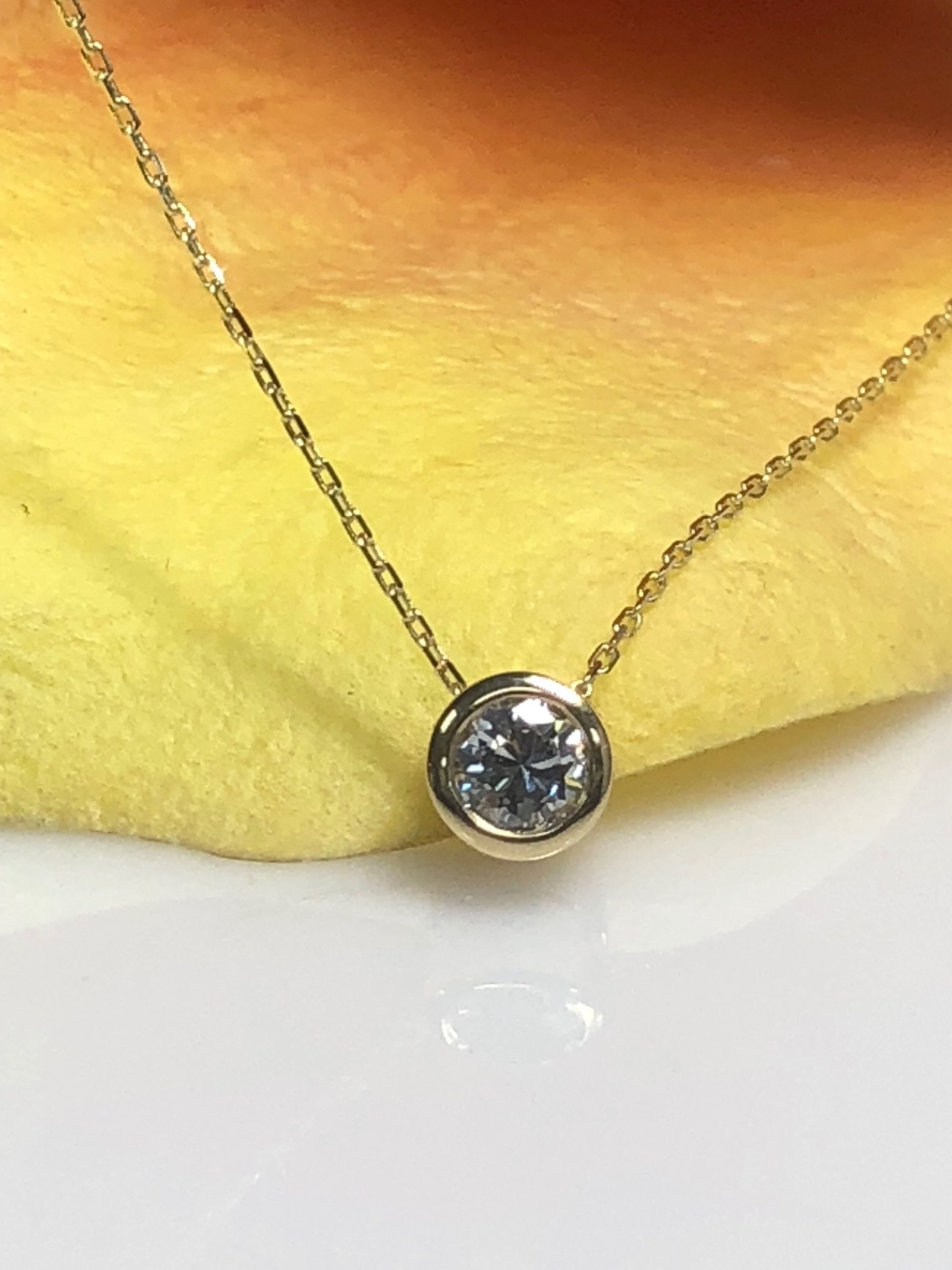 Natural Diamond With in Diamond Cut Link Chain k yellow gold