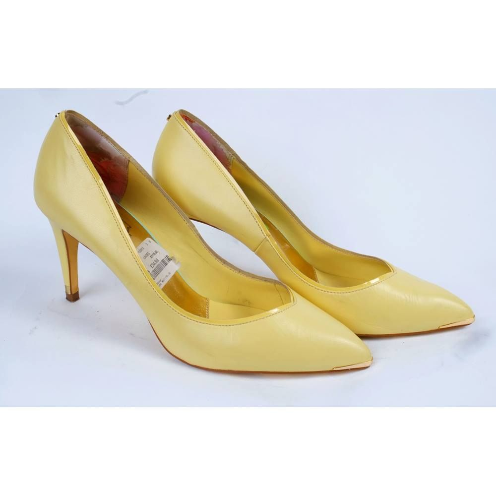 release info on new high quality competitive price Ted Baker Size 6.5 Yellow Stilettos Ted Baker - Size: 6.5 ...