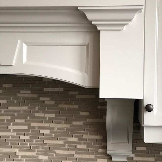 Colour: 50% tint revere pewter on the cabinets. #kitchen # ...