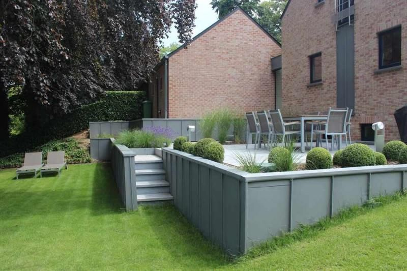 Terrasse sur lev u jardin pinterest terrasse for Jardins et terrasses photos
