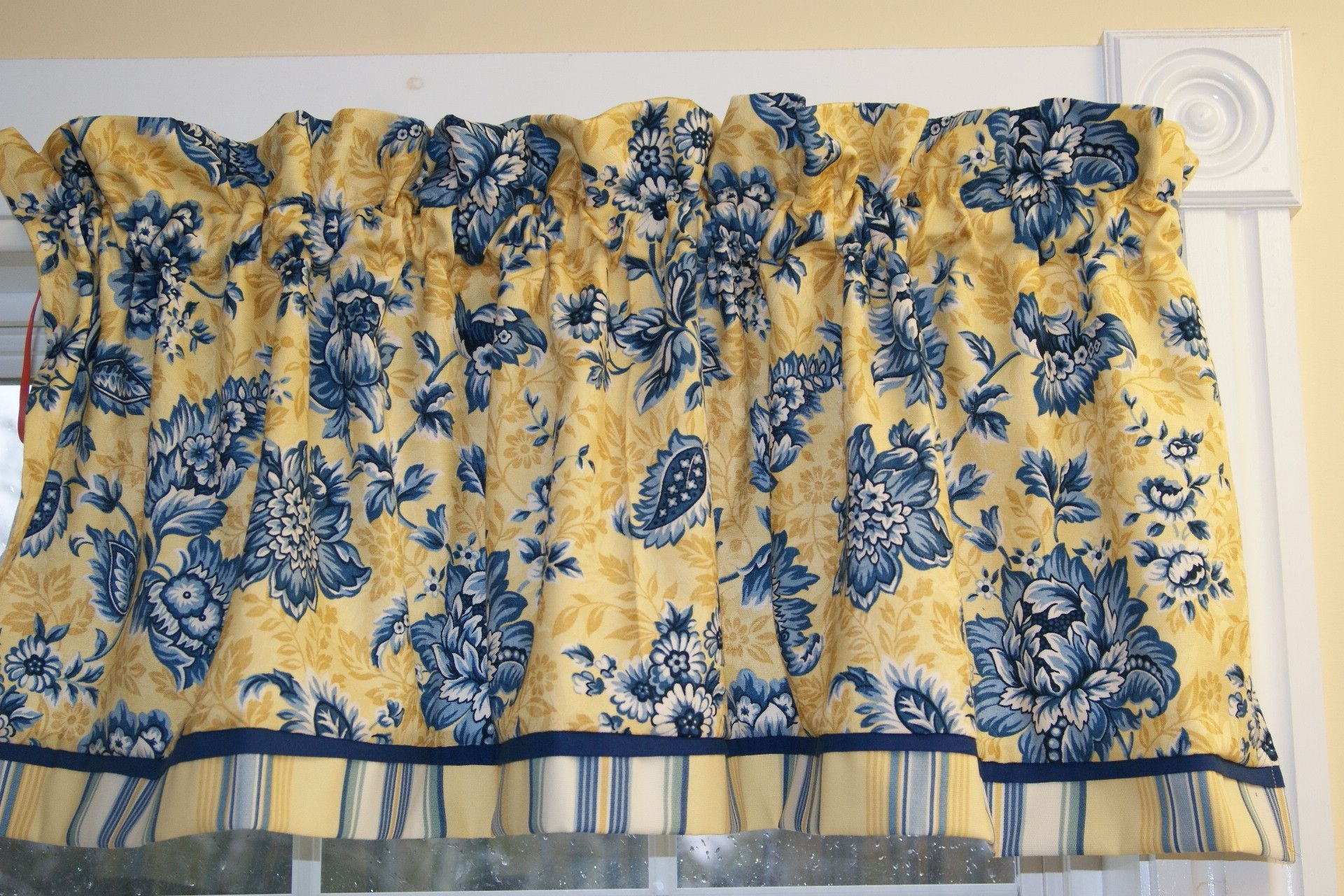Yellow Blue Fl Home Collections White Toile Valance 17 X