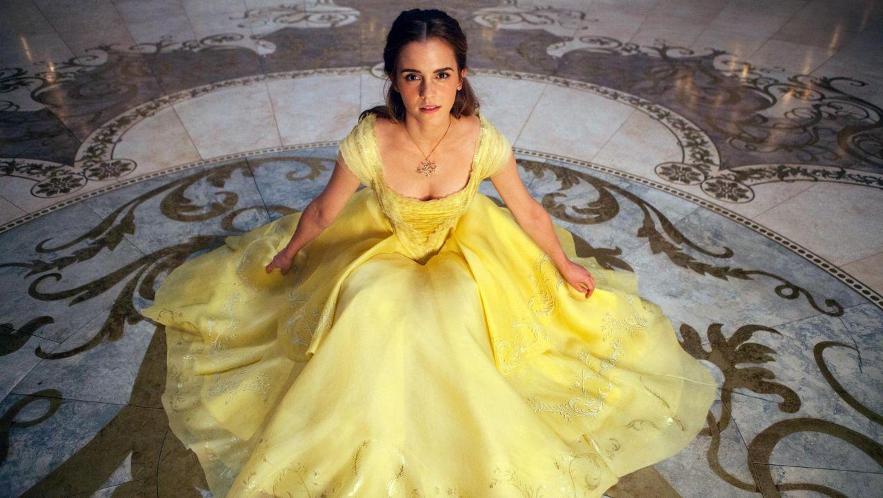 Emma Watson Beauty And The Beast Sari Elbise Emma Watson Guzel Cirkin
