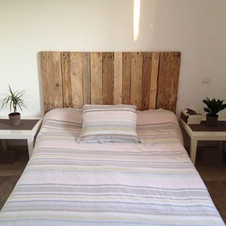 t te de lit en bois brut verni mat meubles et rangements. Black Bedroom Furniture Sets. Home Design Ideas