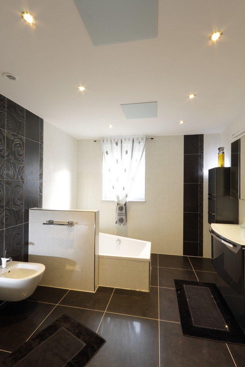 Eine Infrarotheizung erwärmt das Badezimmer effizient und angenehm