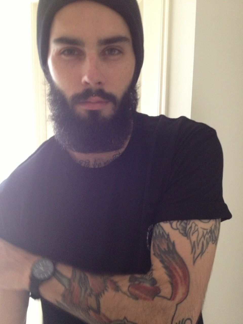 Guys in beanies yea on pinterest beanie beanies and for Bearded tattooed man