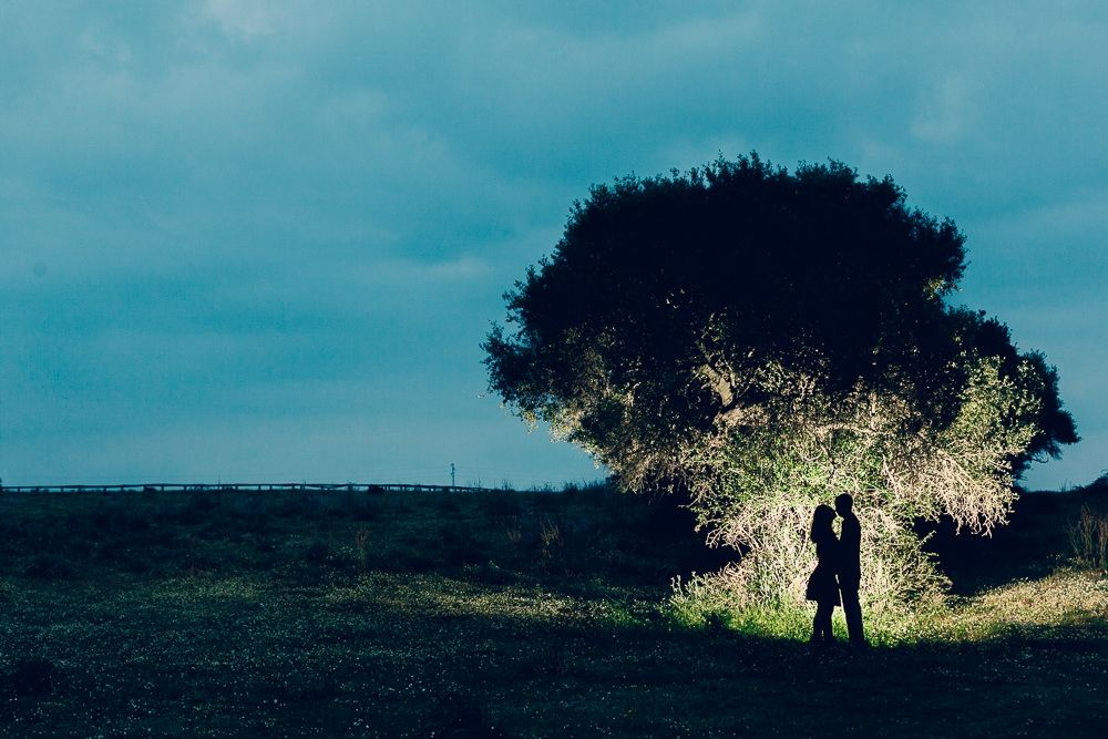 Sombras al atardecer  www.dobleluz.com  #boda #amor #preboda #fotografos #sevilla #fotografosdeboda #fotografiaboda #fotosbodaespaña #wedding #love #lovesession #photographers #seville #weddingphotographers #weddingphotography #weddingspain #fotograbosbodaespaña
