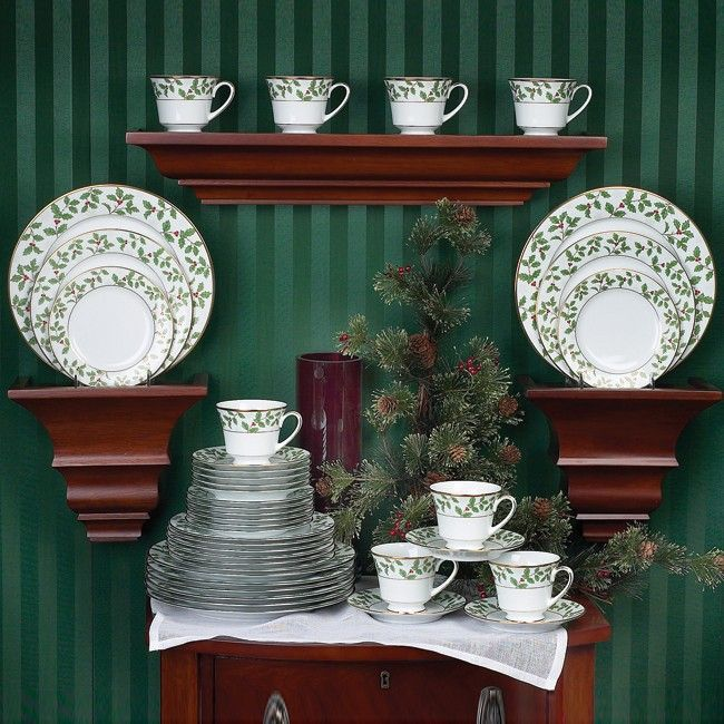 Noritake Holly And Berry Gold 40 Piece Set Service For 8 Dinnerware Set Decor Dinnerware