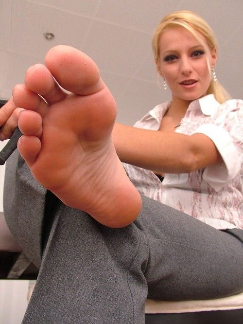 Band, good Fat foot large leg lick old suck toe woman hot :))