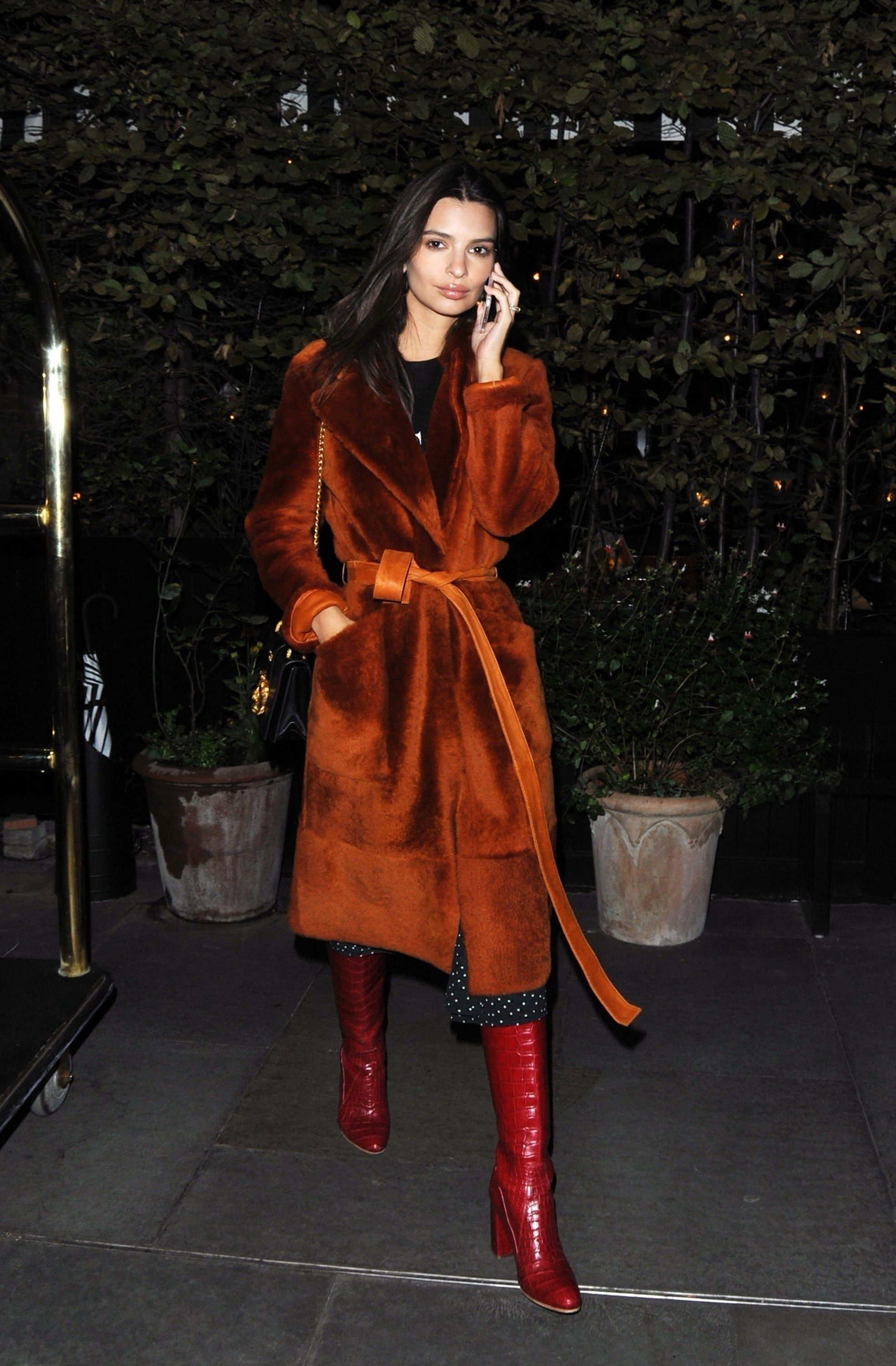 ecec5add3a82a Emily Ratajkowski Takes the Statement Fur Coat to New Heights ...