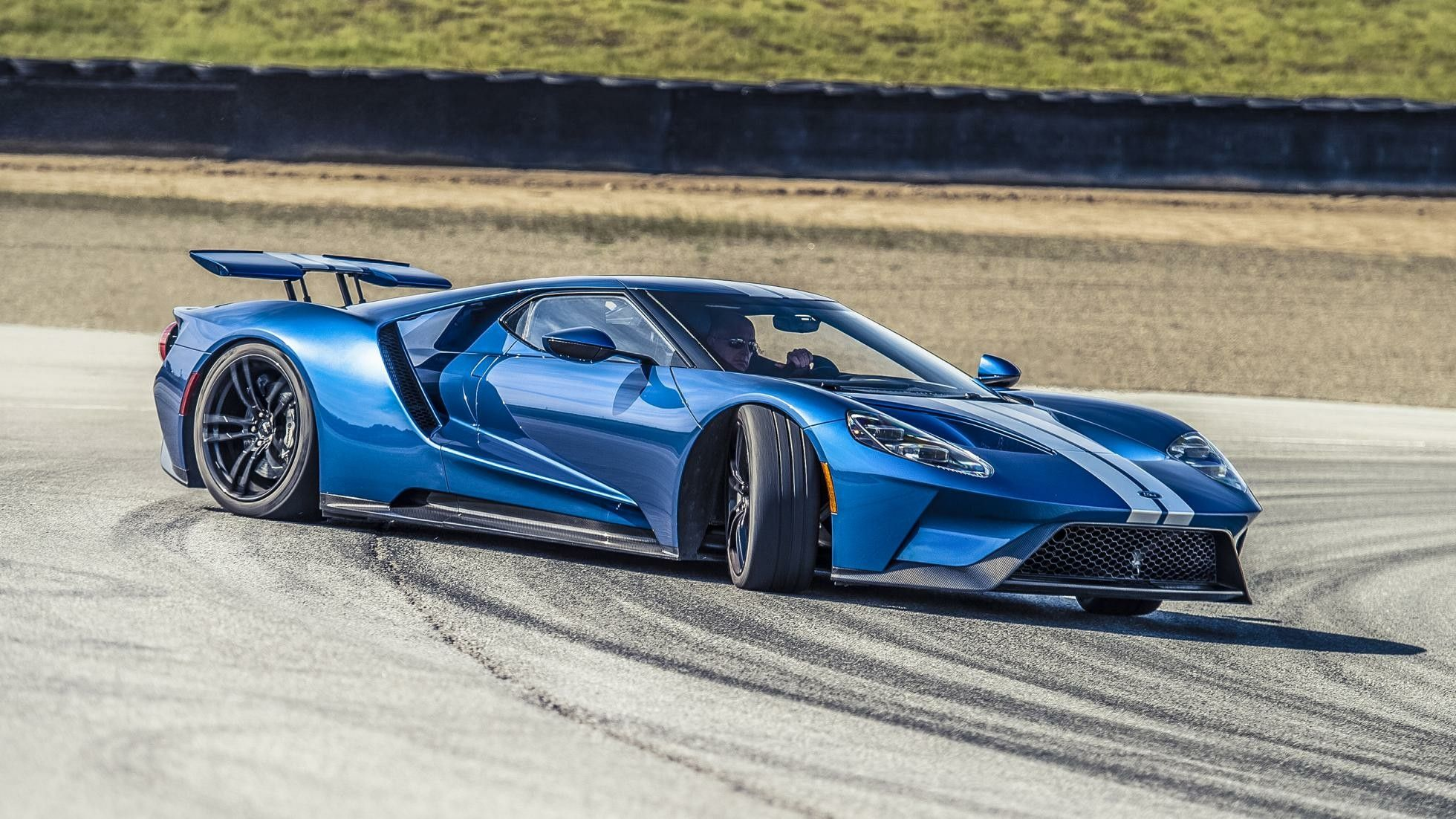 Ford Gt Tearing Up The Track Racing Speed Power Performance