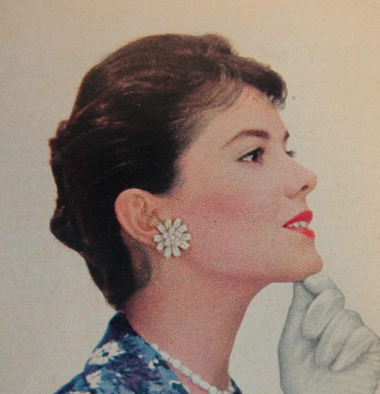 1950s Flat Bun Or What To Do With Long Hair 1950s Hairstyles Hair Styles 50s Hairstyles