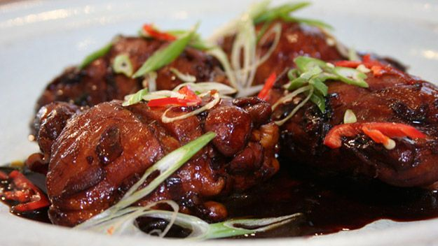 Gok wan cooks chinese simple soy glazed chicken food gok wan cooks chinese simple soy glazed chicken forumfinder Images
