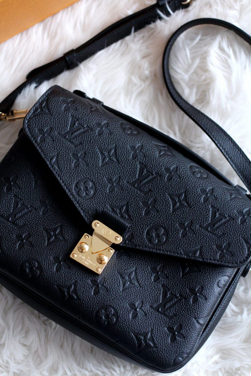 louis-vuitton-pochette-metis-Monogram-Empreinte-Leather-black-bag-review-6 1ce9ca339f08d
