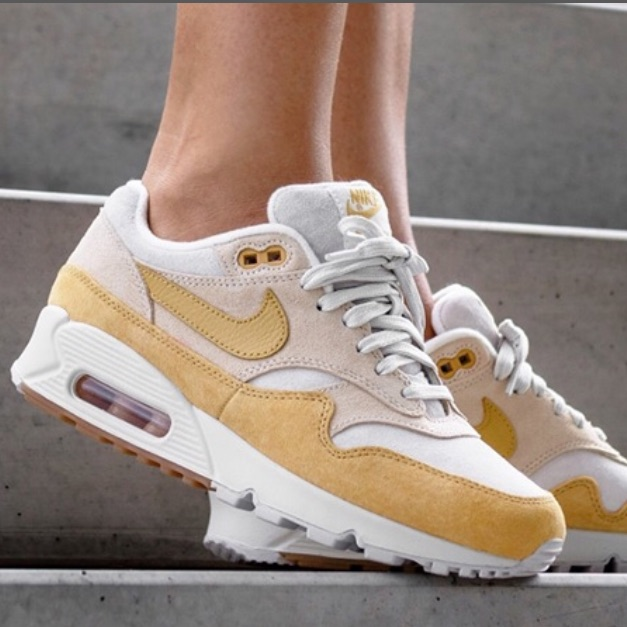 Nike Shoes | New Nike Guava Ice Air Max 901 ~ 10 | Color