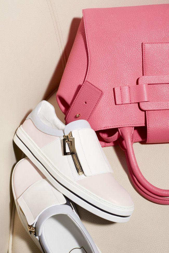 Las zapatillas 'slip 'sport on' conquistan los estilismos 'sport 'slip chic 23e5a6