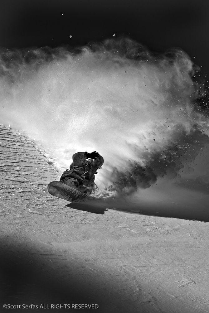 люблю черно белое фото сноубордист самом разгаре, это