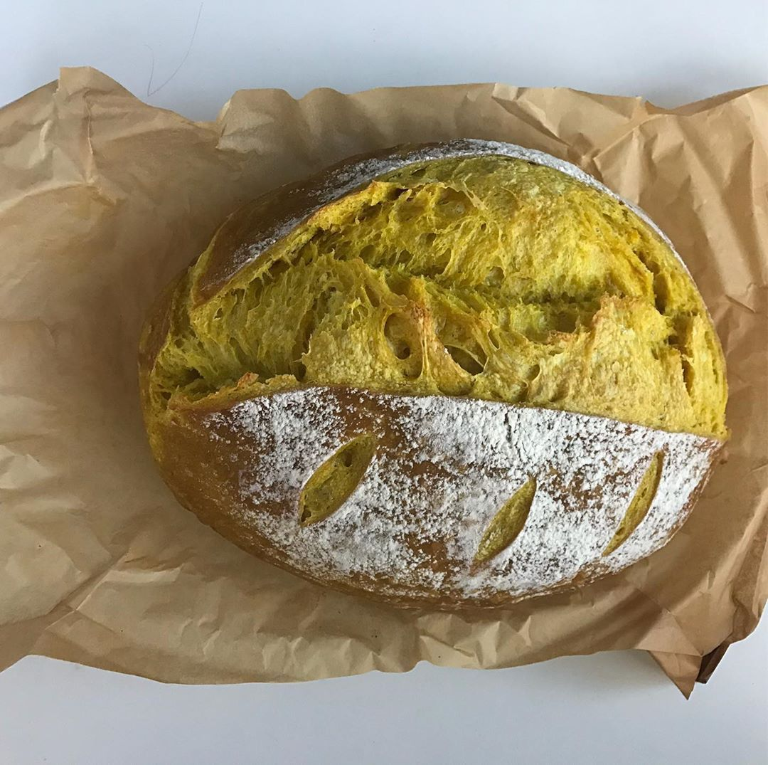 #turmeric sourdough ,  خبز الساور دو بالكركم . .....#bobsredmill @juthour  #sourdoughbread #sourdough #rusticbread #naturalyeast #homebakingbread #breadmaking #feedfeed @thefeedfeed #healthylifestyle #amman_jordan #turmeric sourdough ,  خبز الساور دو بالكركم . .....#bobsredmill @juthour  #sourdoughbread #sourdough #rusticbread #naturalyeast #homebakingbread #breadmaking #feedfeed @thefeedfeed #healthylifestyle #amman_jordan #ammanjordan #turmeric sourdough , # #ammanjordan