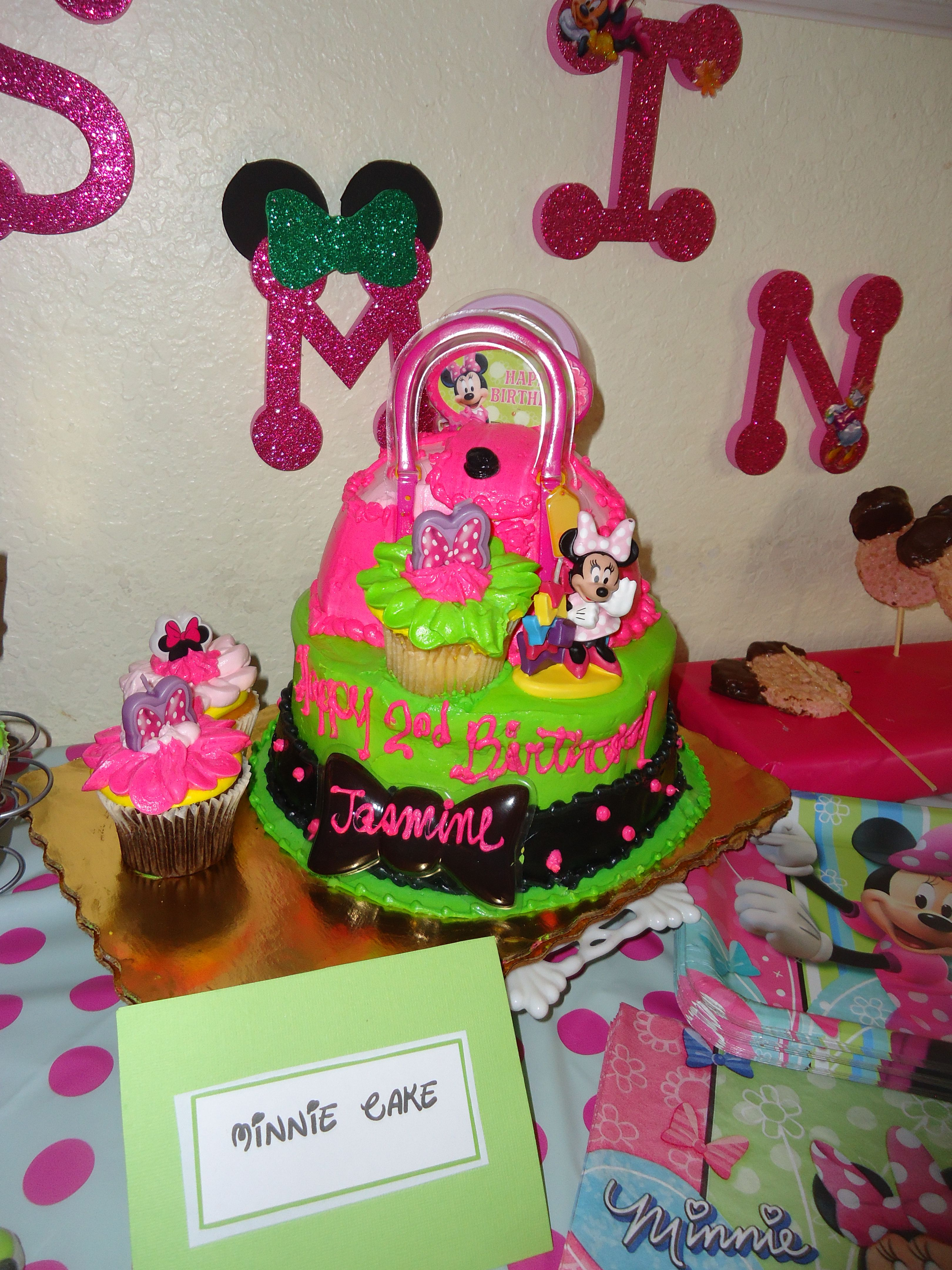 Used The Diva Themed Cake From Publix To Correlate With The Minnie Theme Themed Cakes Minnie 2nd Birthday Parties