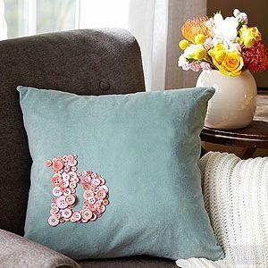 No-Sew Pillow Ideas & No-Sew Pillow Ideas | Sew pillows Fiber art and Craft pillowsntoast.com