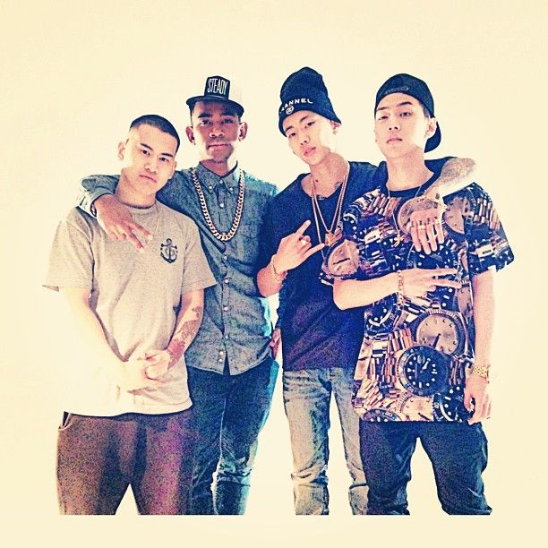 AOMG Crew.. Hep, Cha Cha, Jay Park and GRAY..!! yeaayyy m/