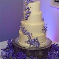 Lavender Wedding Cake Google Search Wedding Cakes Lavender Flowers Wedding Cakes With Flowers Lavender Wedding Cake