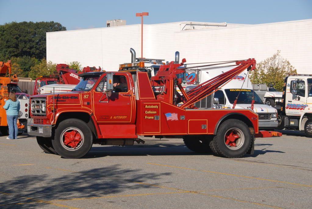 A Clean GMC Holmes 600 - Tow411 | gm | Tow Truck, Trucks