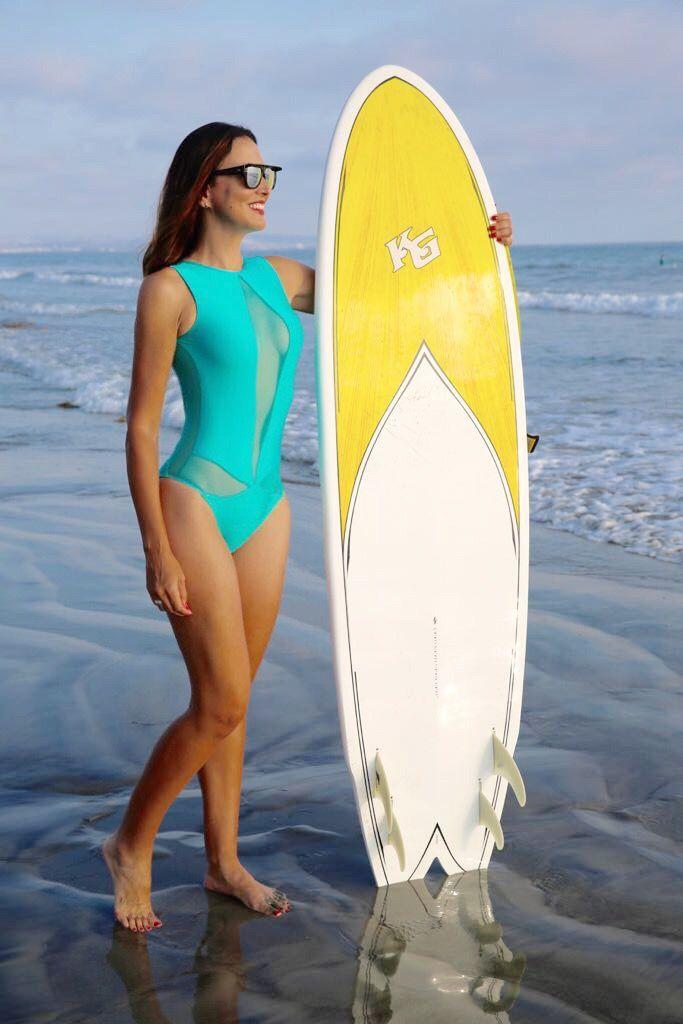 Hurley women's quick dry bula surf bikini top