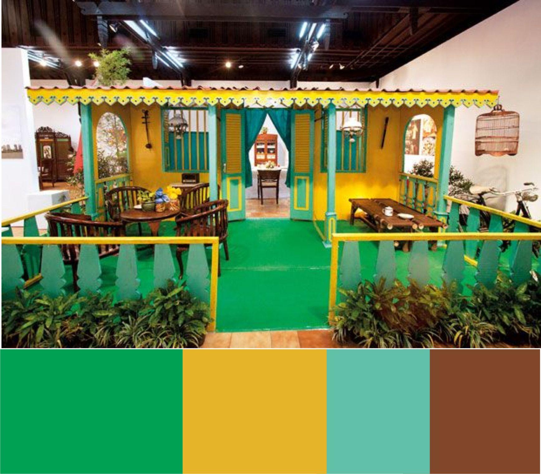 Miniature of Betawi traditional house Lisplang berornamen gigi balang berupa papan kayu berbentuk ornamen segitiga