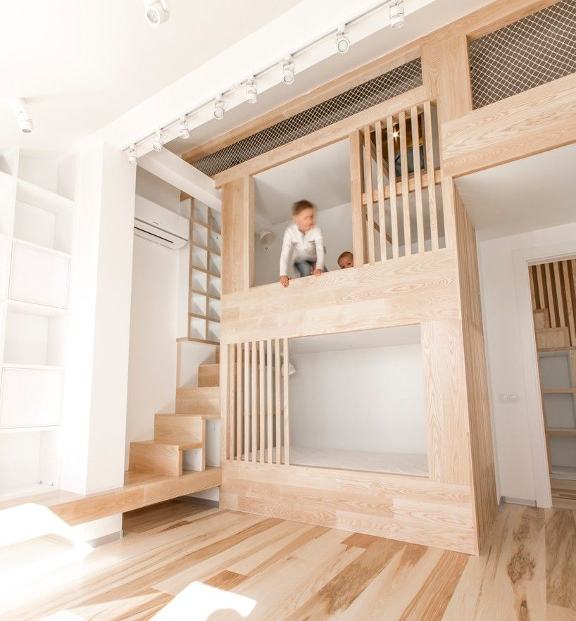 Ruetemple Installs Two Level Play Frame Into Moscow Apartment