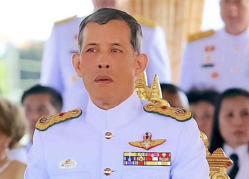 สมเด็จพระเจ้าอยู่หัวมหาวชิราลงกรณ บดินทรเทพยวรางกูร พระมหากษัตริย์รัชกาลที่ ๑๐ แห่งราชวงศ์จักรี ขอพระองค์ทรงพระเจริญยิ่งยืนนาน  Maha Vajiralongkorn, Crown Prince of Thailand