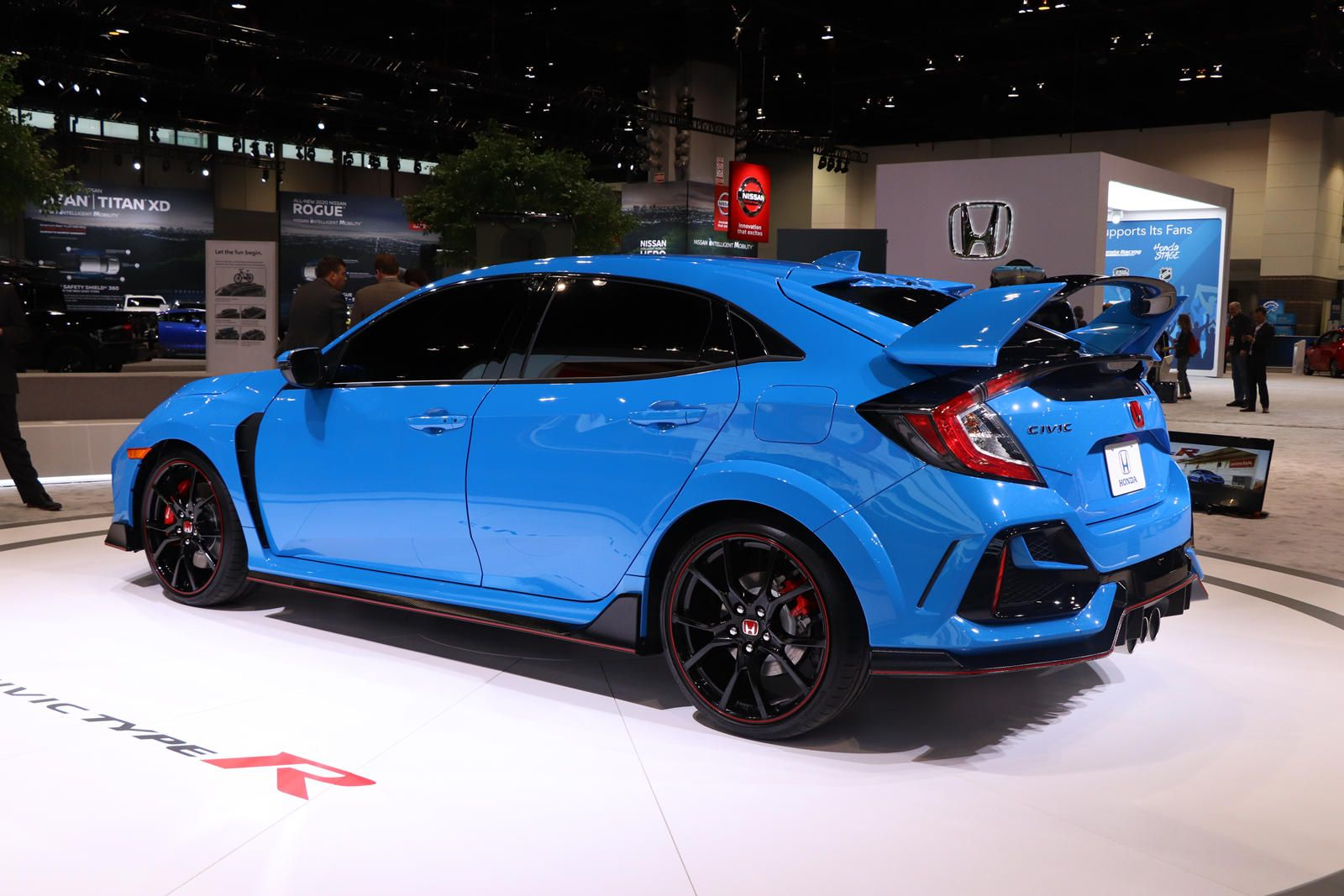 2020 Honda Civic Type R Arrives In Chicago With Outrageous New Color Carbuzz In 2020 Honda Civic Type R Honda Civic Honda Civic Hatchback