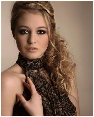 Prom Hairstyles For Curly Hair Beauty Stuff Pinterest Prom - Evening hairstyle for round face