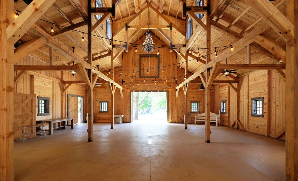 Post Amp Beam Party Barn Interior Makes A Beautiful Wedding