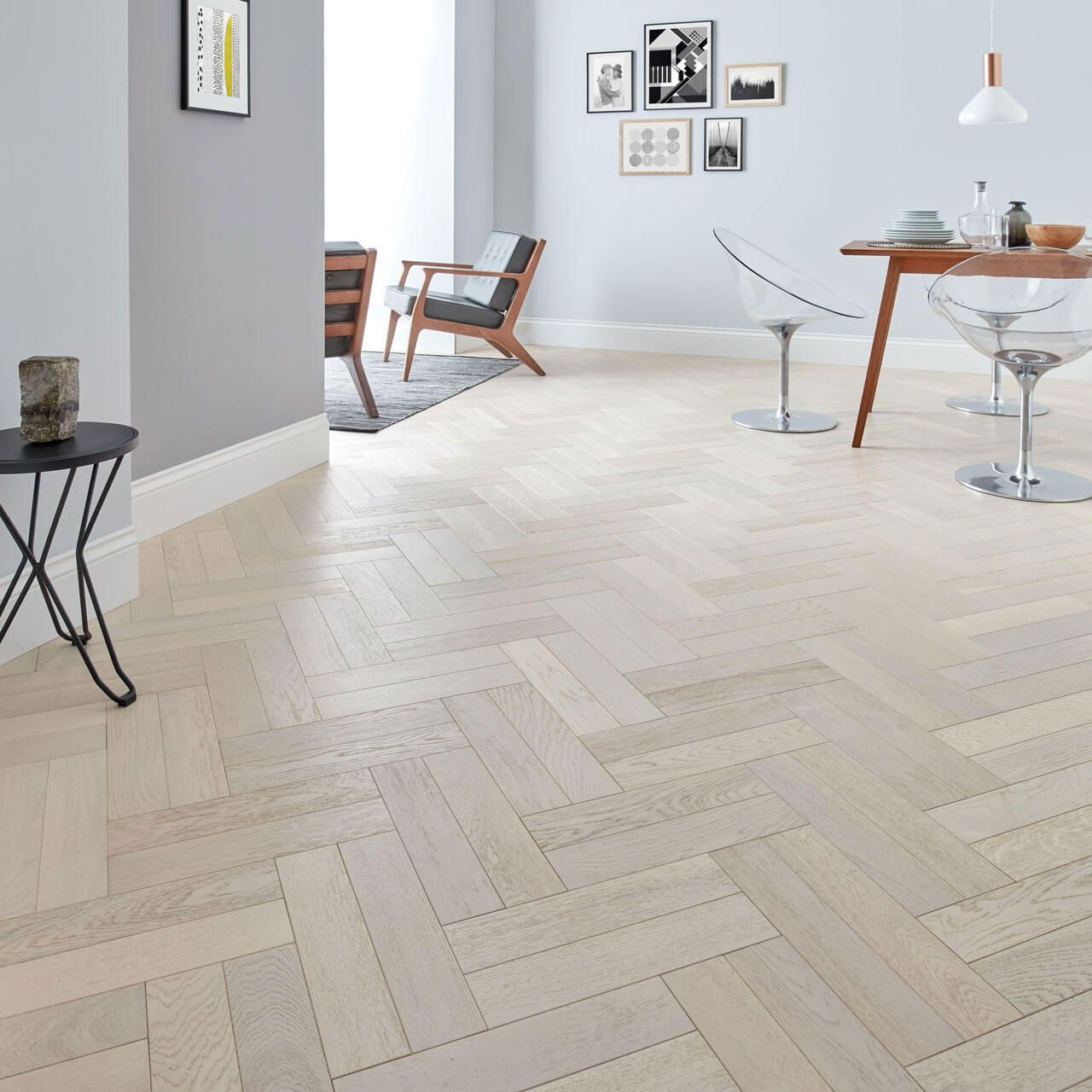 Woodpecker Goodrich Herringbone Whitened Oak Brushed & Matt Lacquered Engineered Wood FlooringGoodrich Herringbone Parquet flooring is the most traditional and Elegant engineered wood floor on the market. Most seen in Castles, manors and old school buildings; this flooring has now crept its way into stylish modern and traditional homes.This Woodpecker Goodrich Herringbone Whitened Oak engineered wood flooring has a tongue and groove joint system and can be fully stuck down or floated on to an un