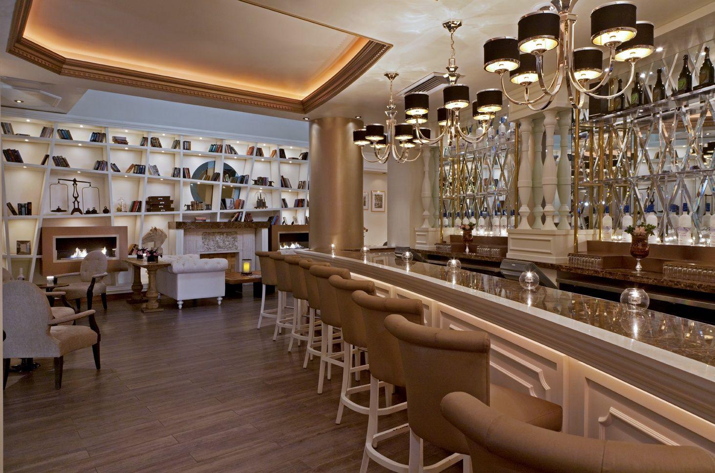 MAIN BAR INSIDE Gallery restaurant, Restaurant lounge