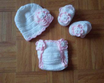Bebé Gorro de Crochet Blanco con una hermosa flor y corazón recién nacido