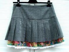Faltenrock mit zwei Lagen und Spitze - selber nähen  Skirt with lace and two layers http://bastelschaf.wordpress.com/2013/07/29/mondo-last-grusen-zwei-lagen-rock/