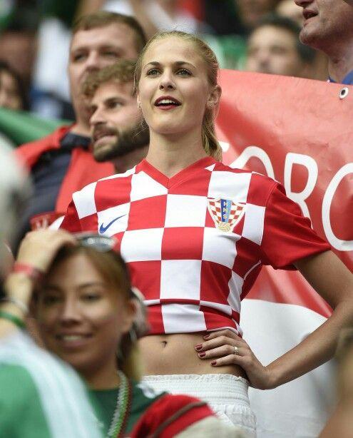 Croatia fan Football fans, Hot football fans, Womens