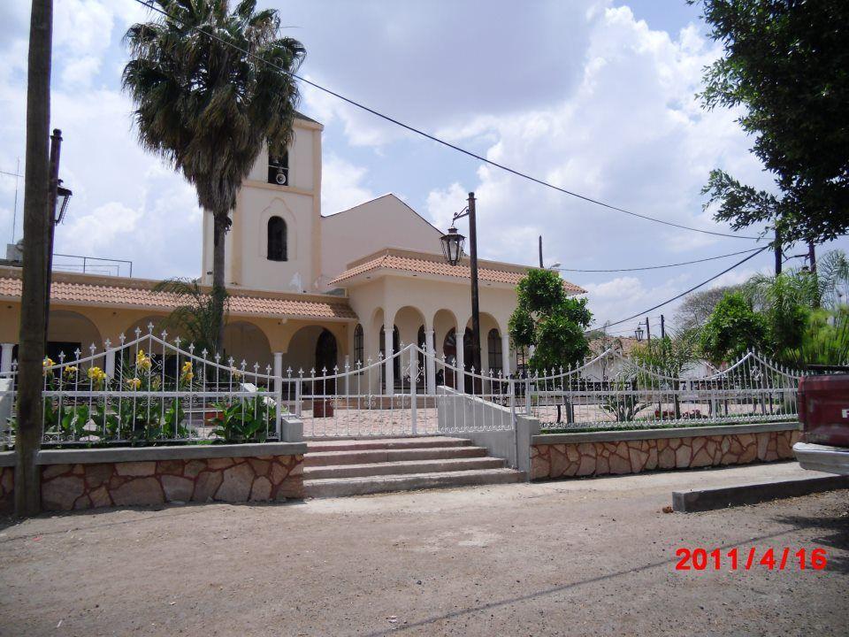 De Puro Ziquítaro. El templo con su bello atrio