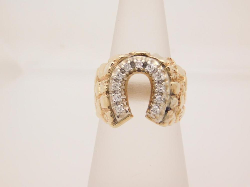 0 25 carat t w man s round cut diamond horseshoe ring 10k nug