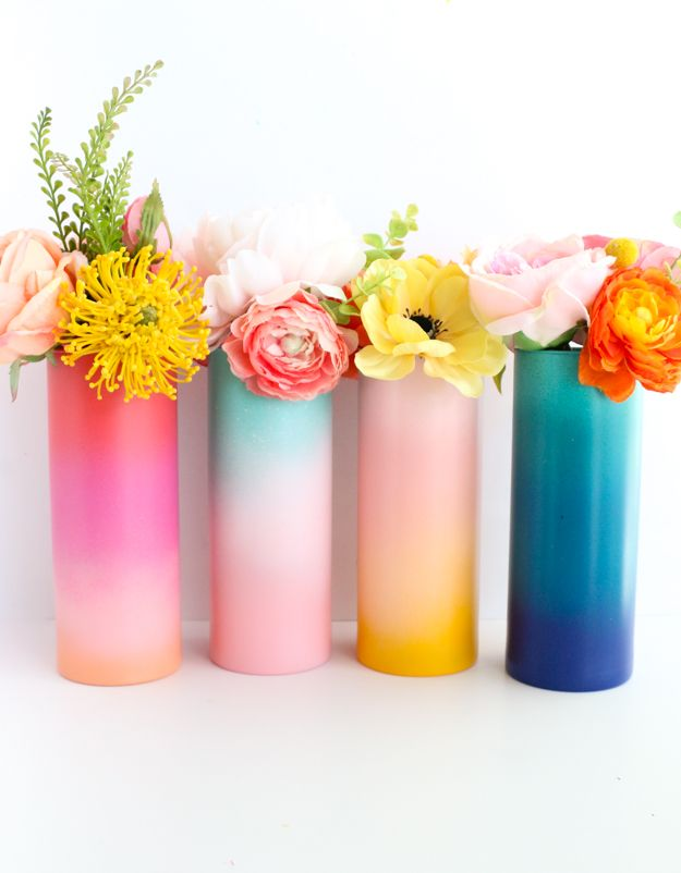 A Kailo Chic Life: DIY Gradient Flower Vases