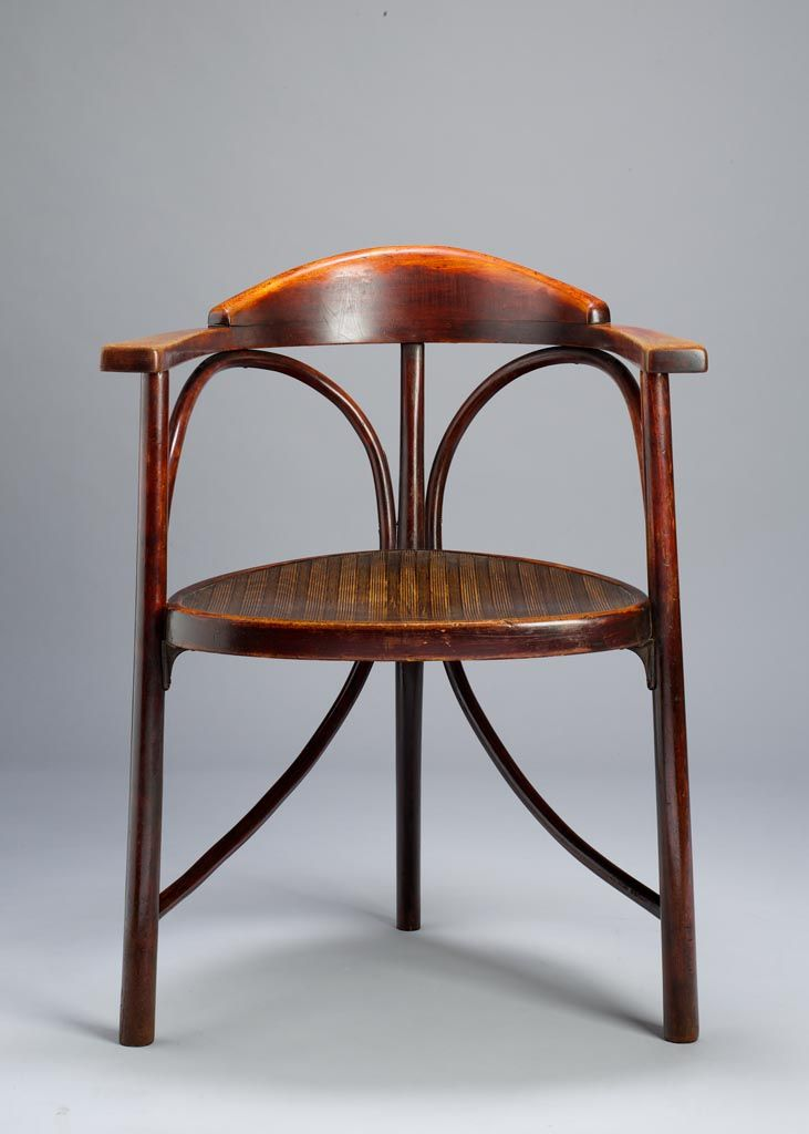 Thonet Corner Chair, 1900. Beechwood, Cane. Gebrüder Thonet, Vienna. Museum  Of Applied Arts, Budapest