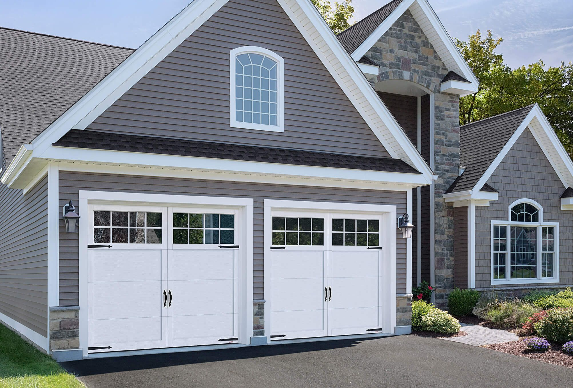 Garaga Princeton P 11 9 X 8 Ice White Doors And Overlays 8 Lite Panoramic Windows Garage Door Styles Garage Doors Garage Door Design