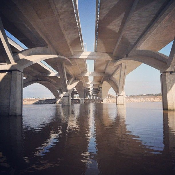 Arched, lace-like supports made of #LafargeGroup high-performance #concrete create fluid geometry for Hassan II #Bridge designed by #architect #MarcMimram & winner of 2013 #AgaKhan Award for #Architecture! #BuildingBetterCities #Rabat #Salé #Morocco #urban #hassan2bridge