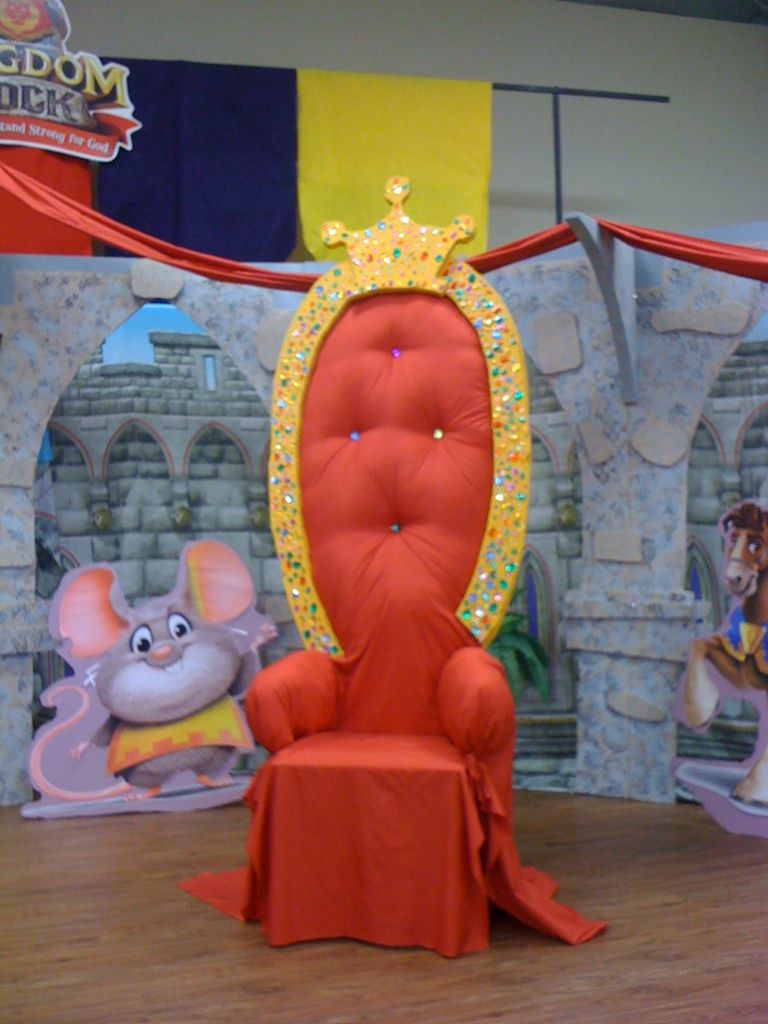 Throne candy land pinterest for Diy king throne chair