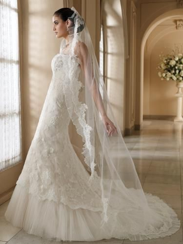 1000  images about Wedding Gowns on Pinterest - Wedding chapels ...