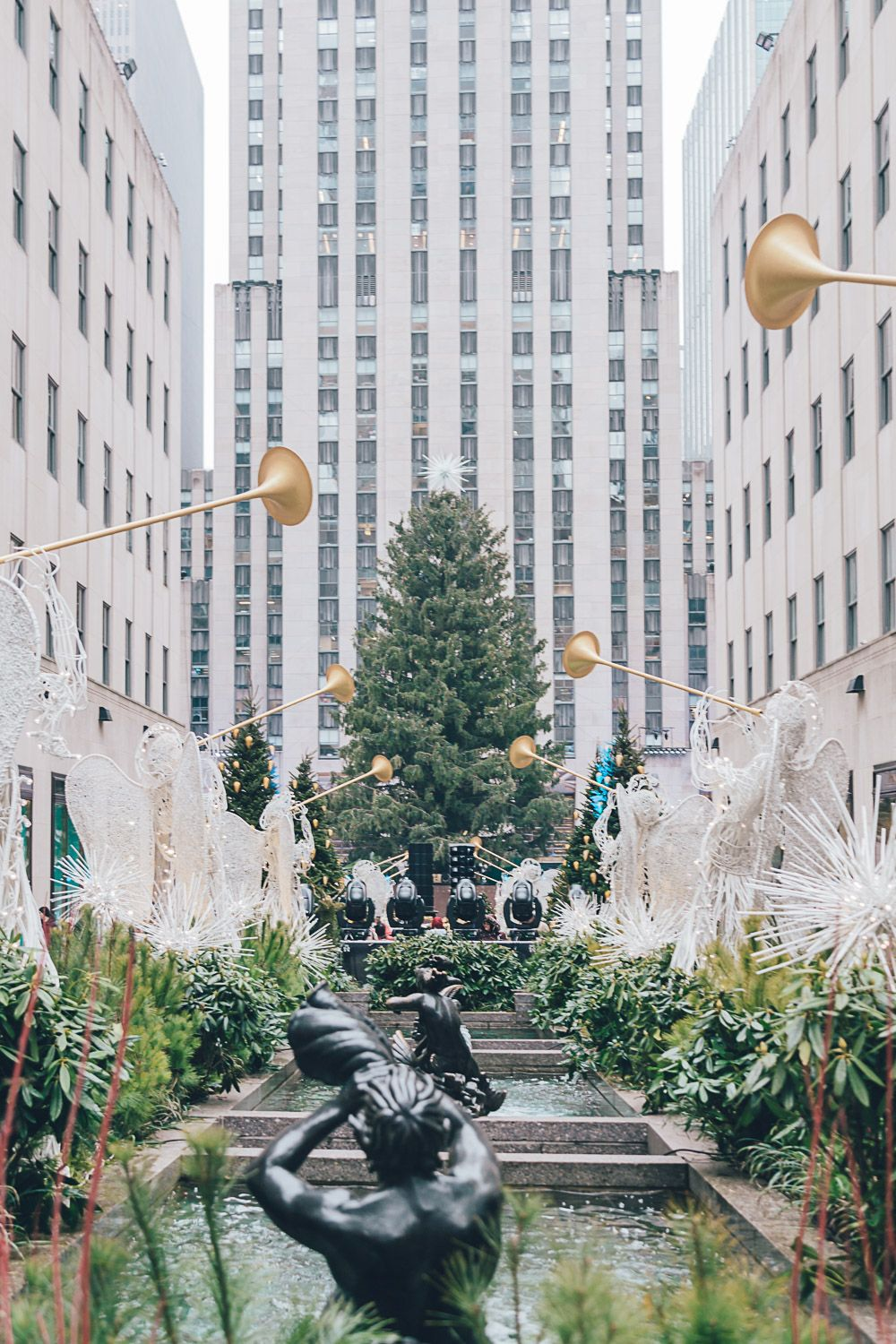 19 Magical Things to Do in NYC at Christmas + Tips for