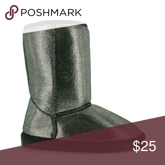🎀2-DAY FLASH SALE🎀 Boots, Size 13M Very cute & comfy Pewter/Metallic  faux-fur inside lining Shoes Ankle Boots & Booties